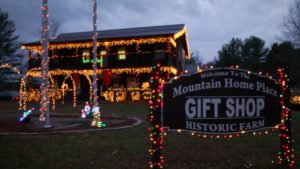 MOUNTAIN HOMEPLACE CHRISTMAS @ Mountain Homeplace   Staffordsville   Kentucky   United States